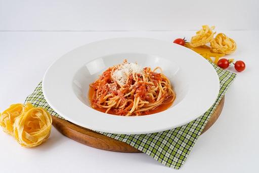 Паста спагетти Аматричано
