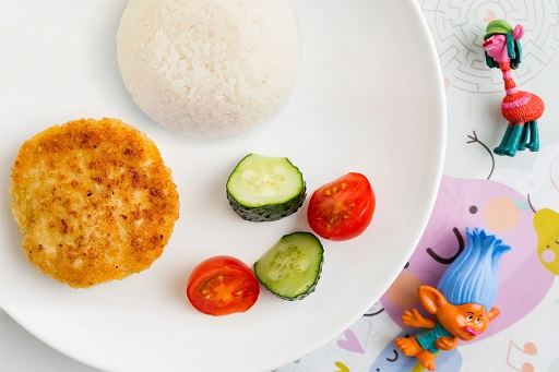Куриная котлетка с рисом