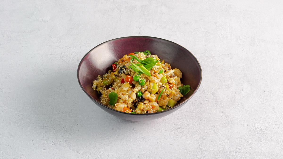 Рис жареный с креветками