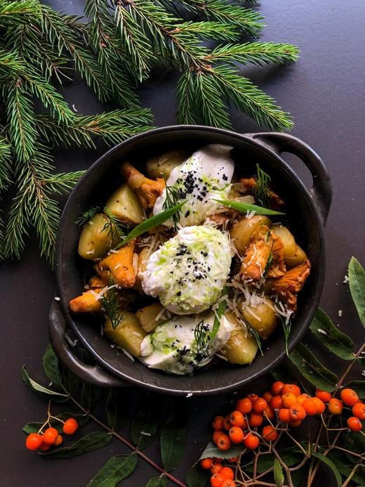 Картофель молодой с жареными лисичками