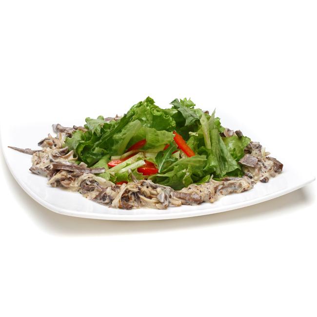 Фото Теплый салат из телячьего языка с грибами